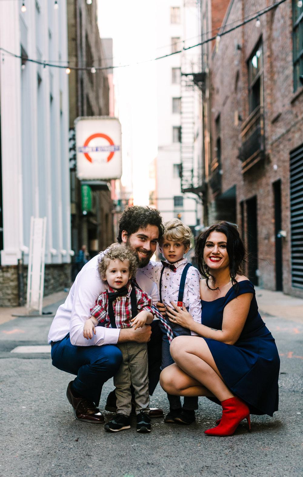 printers+alley+nashville+family+photos (4 of 19).jpg