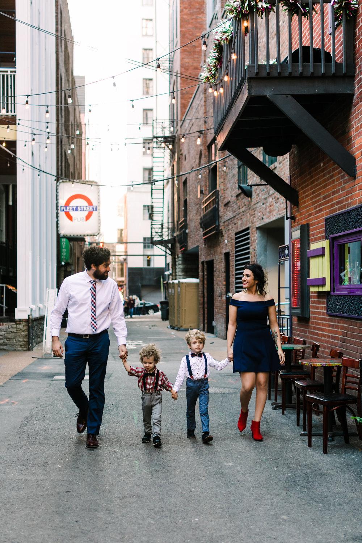 printers+alley+nashville+family+photos (2 of 19).jpg