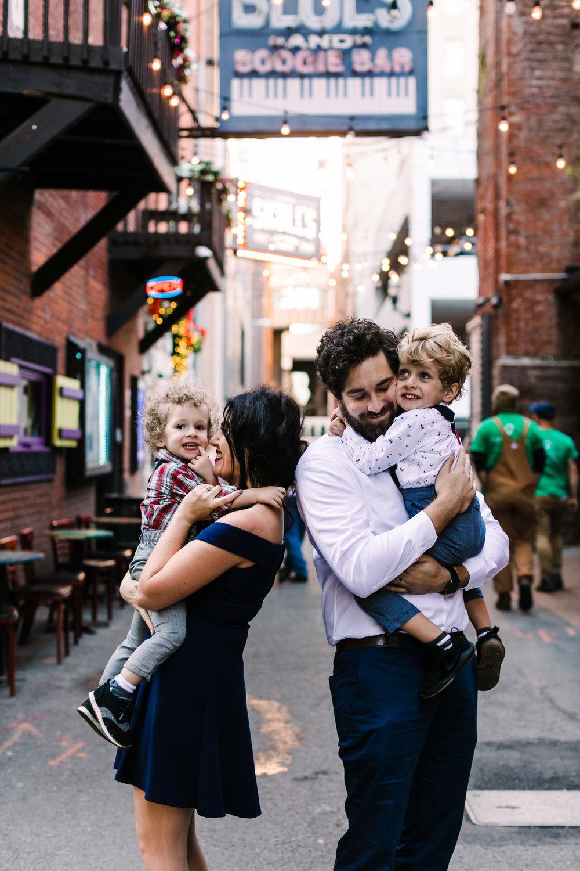 printers+alley+nashville+family+photos (12 of 19).jpg