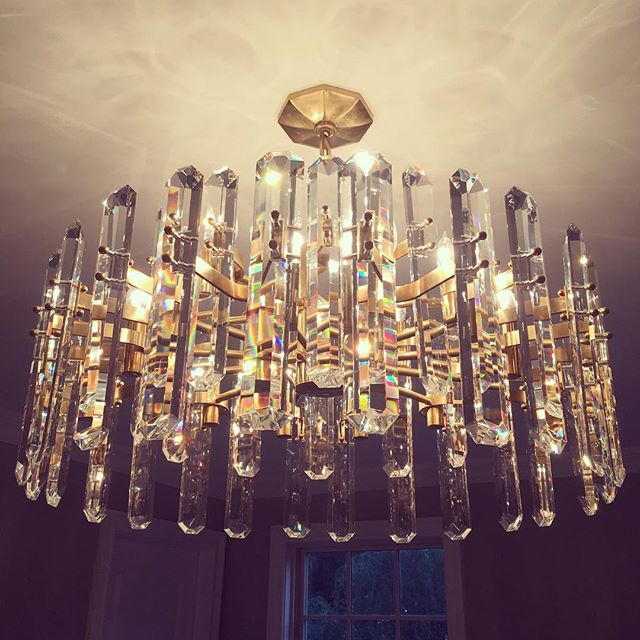 Lighting installation in a glam master bedroom. The picture doesn't even show half of the sparkle this fixture throws off! ✨✨✨ #kristinashleyinteriors #visualcomfort #masterbedroom #masterbedroomdesign #masterbedroomlighting #bernardsvillenj #bernardsvilledesigner #bling #sparkle #crystal #crystalchandelier #prisms @visualcomfortco