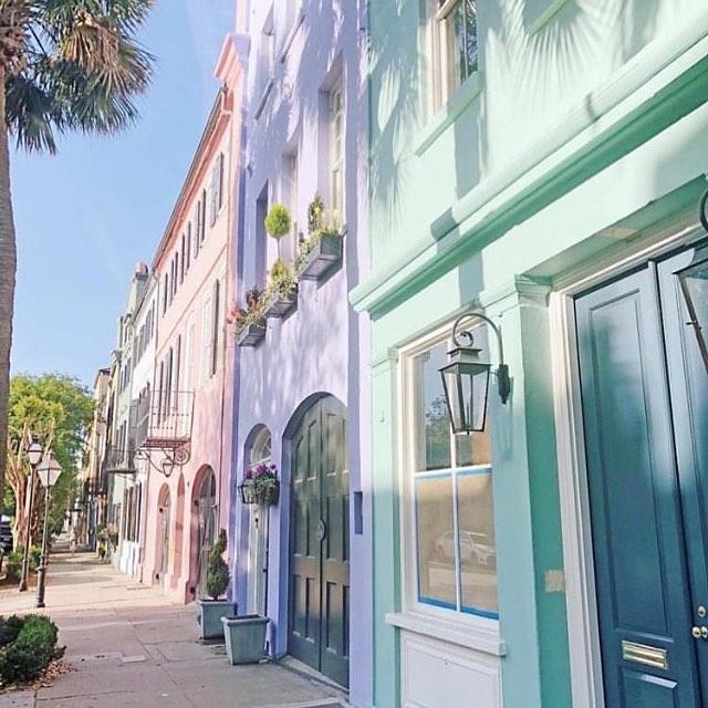 Pastel perfection 😍 Regram: @townandcountrymag  #kristinashleyinteriors #pastelperfection #colorinspiration #colorinspo  #charleston #southcarolina #soprettty #happysaturday