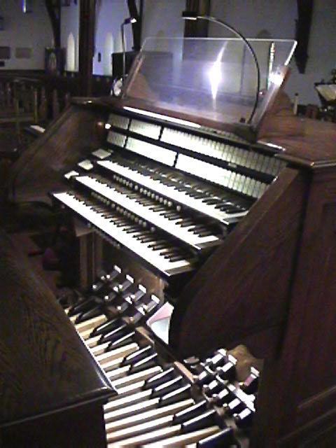 19grace-organ_Console.jpg