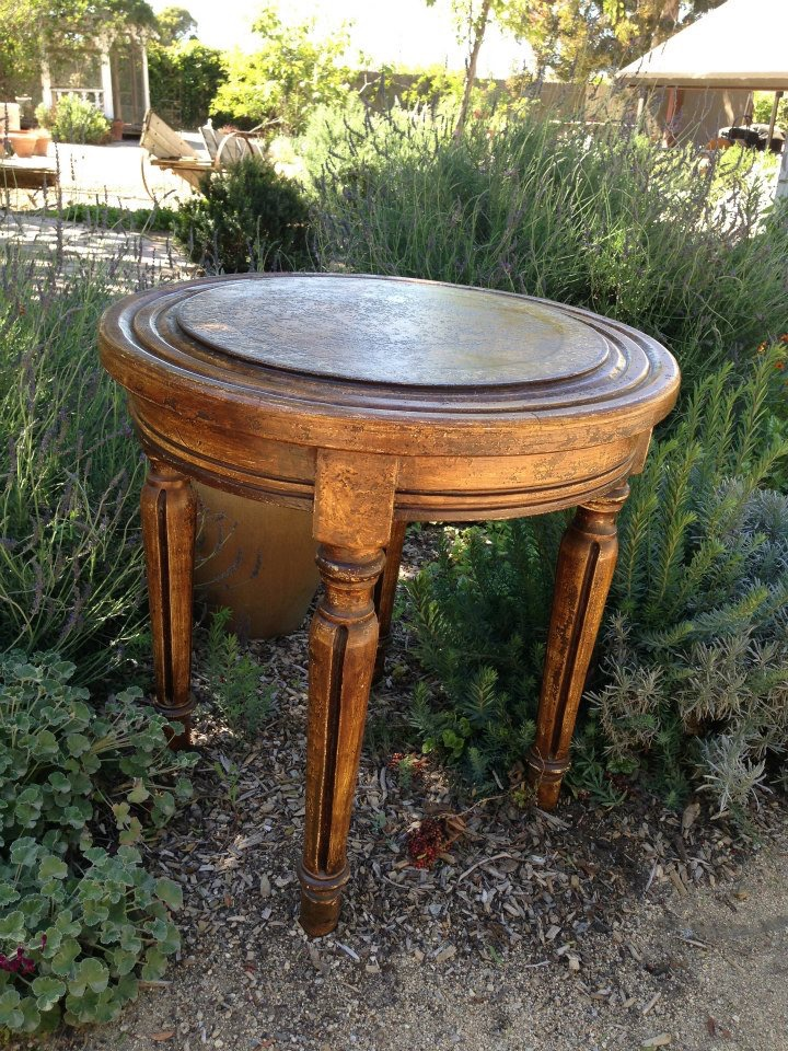 CARVED ELEGANT ROUND TABLE - $75
