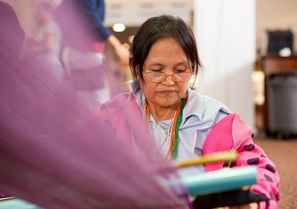 Ray Noe weaving