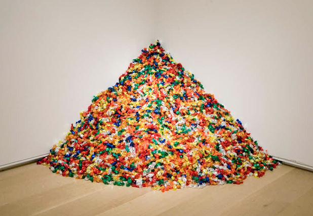 Felix Gonzalez-Torres. Untitled (Portrait of Ross in L.A.). Image from the Brooklyn Museum