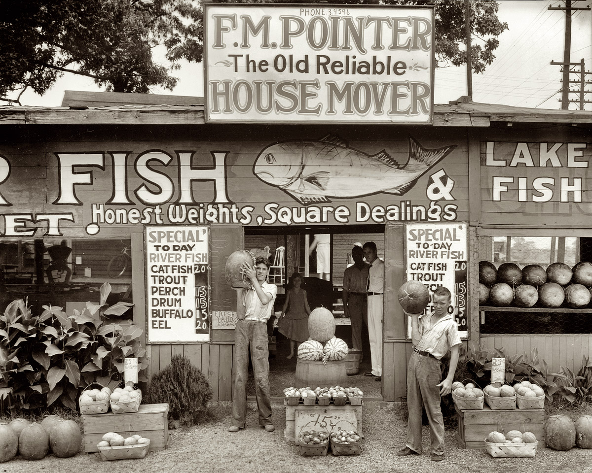 photo by Walker Evans. Please go look at all of his gorgeous photographs right now.