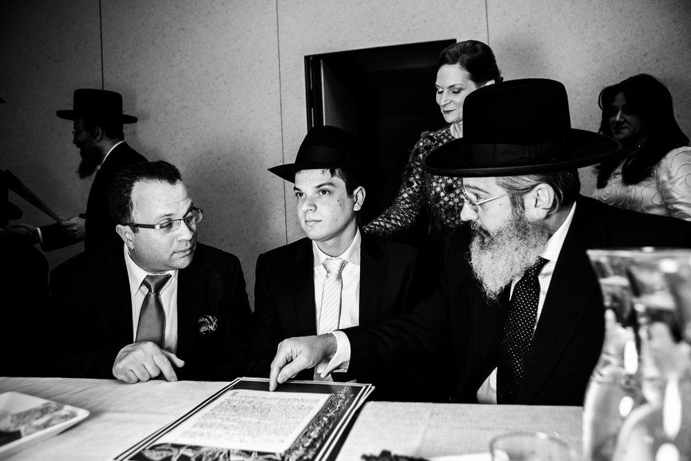 Avi & Yehudis - Eliau Piha studio photography-0653.jpg