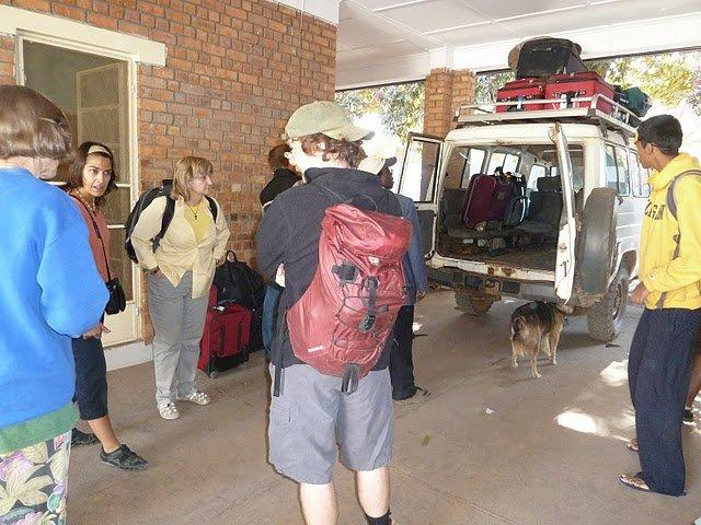 picture7_returntriploadingfortheairport_lubumbashi.jpg