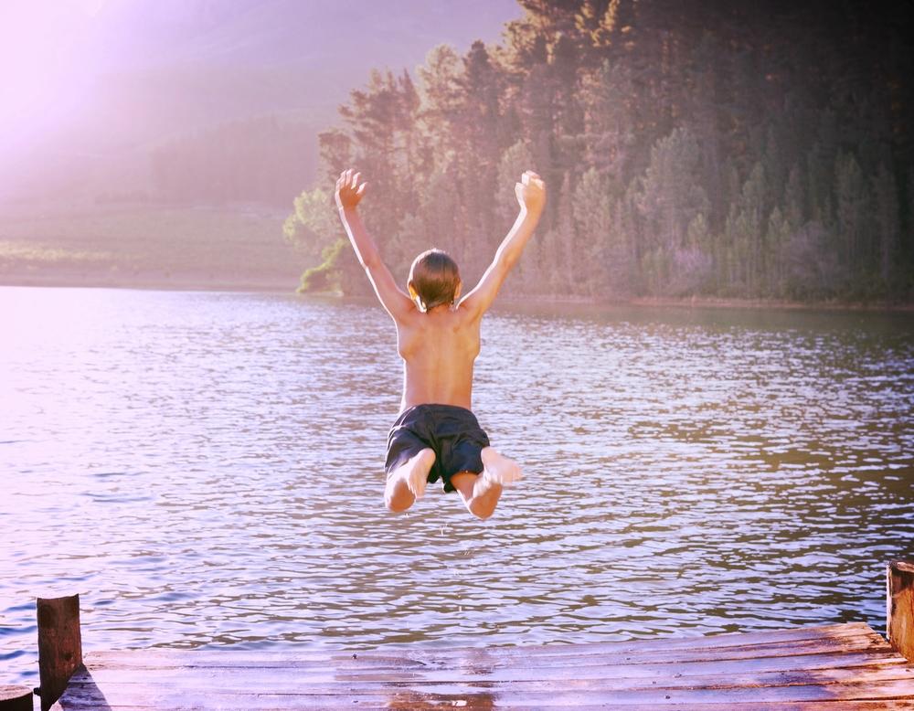 jump-on-lake_m.jpg