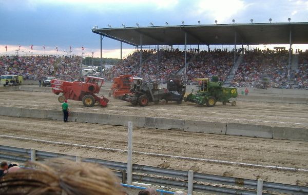 combine_derby_bg03.jpg