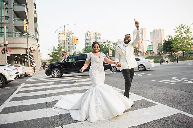 Nothing quite like strutting your stuff for the whole city of Toronto on Caribana weekend!! What a crazy and epic day featuring a surprise Jaguar for a wedding gift and some seriously epic Cameroonian dance moves! Congratulation Erika & Penn! . . . . . . . . . . #bridetobe2019 #bridetobe2020 #justengaged #stylemepretty #soloverly #weddinginspiration #yow #613 #pursuepretty #dailyweddinginspiration #huffpostweddings #bridebook #theknot #shesaidyes #calledtobecreative #ottawaweddingphotographer #ottawawedding #bespoke #rusticwedding #theknot #weddingwire #fineartwedding #bridestyle #narcityottawa #isaidyes #madeinyow #niagaraonthelakewedding #niagaraphotographer #burlingtonweddingphotographer #niagaraweddingphotographer #africanwedding