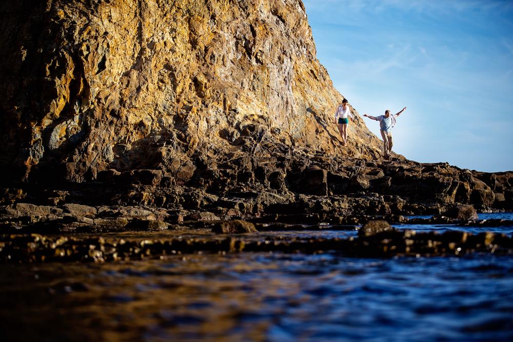Beach-engagement-photo_fun_natural_candid_05.JPG