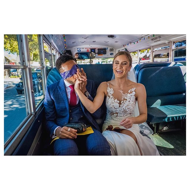 Richard didn't want to see Janelle in her wedding dress (yet) but had to take a shuttle bus together to their ceremony. Sooooo... his friends blindfolded him. 🙈🙈🙈 #weddingphotojournalism #keepitreal #fujifilm #bridestory