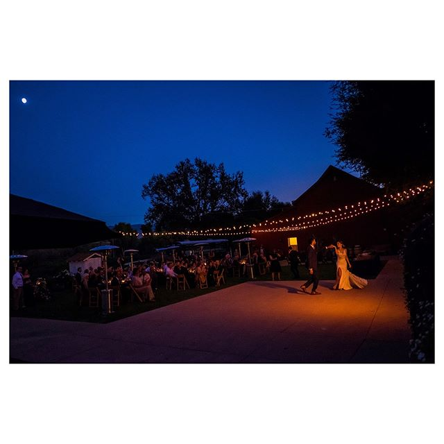 Janelle 💃🏻🌖 & Richard #weddingphotojournalism#firstdance#vineyardwedding#fujifilm