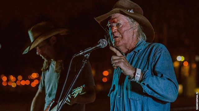 Billy Joe Shaver. Tough as nails. Broken nose, stitches, etc. Still made his show at @lbrevivalfestival . Full story: http://www.savingcountrymusic.com/billy-joe-shaver-falls-smashes-face-hospitalized-still-makes-show-in-long-beach/. Photo by my pal @withinadream / @thekingsinn #billyjoeshaver #toughasnails #realdeal #ouch