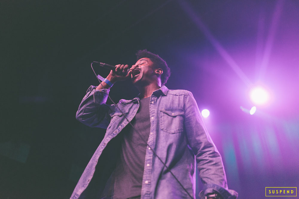 "SHAD ROBINSON AT AB-SOUL'S ""THESE DAYS TOUR"" LIVE AT THE FONDA THEATRE (10.28.14) / PHOTO © KAYLA REEFER, SUSPENDMAG.COM"