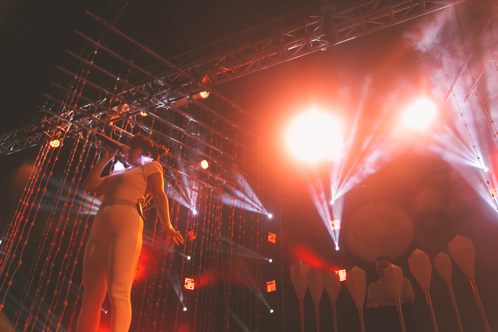 PURITY RING PERFORMS AT THE 2015 FYF FESTIVAL IN LOS ANGELES. / PHOTO © KAYLA REEFER, SUSPEND MAGAZINE