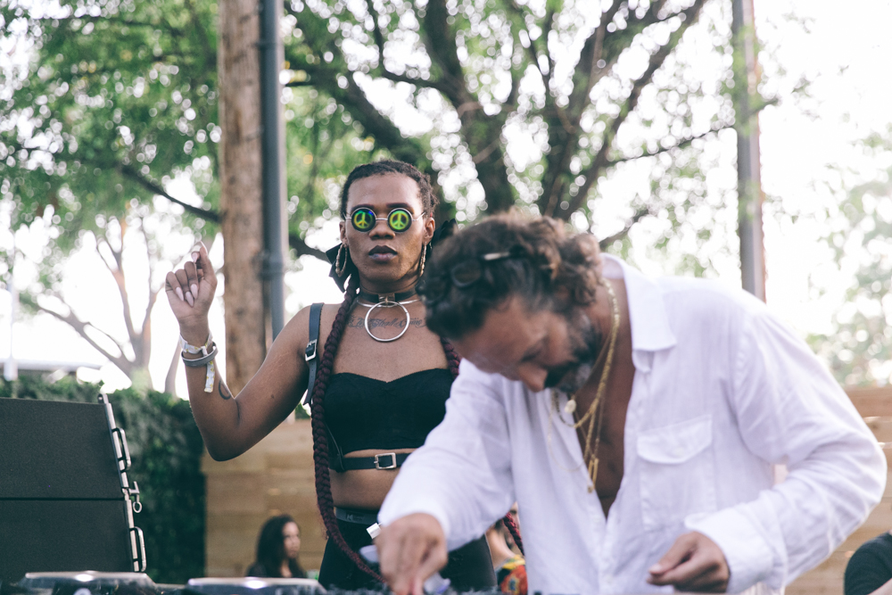 DJ HARVEY PERFORMS AT THE 2015 FYF FESTIVAL IN LOS ANGELES. / PHOTO © KAYLA REEFER, SUSPEND MAGAZINE