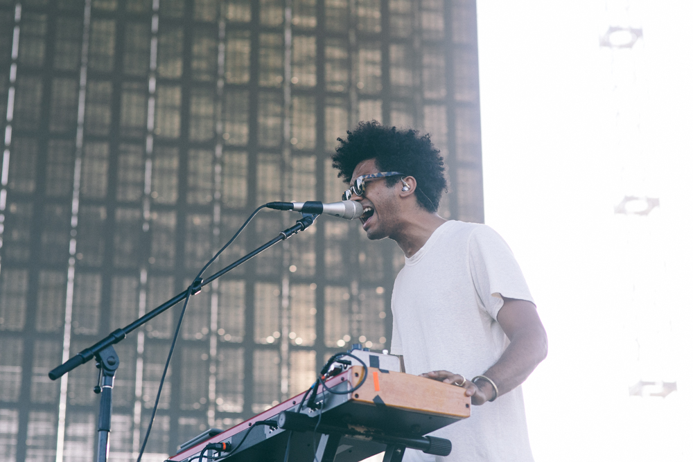 TORO Y MOI PERFORMS AT THE 2015 FYF FESTIVAL IN LOS ANGELES. / PHOTO © KAYLA REEFER, SUSPEND MAGAZINE