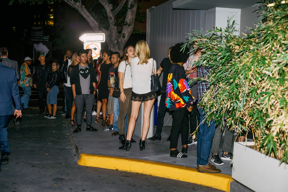 The line outside of #NIGHTSWIMDTLA (Oct 1) presented by SUSPEND Magazine, HLZ BLZ, DOPE Fairfax, Ladies First Events, and LOVE+MADE. / Photo: © Arnelle Lozada