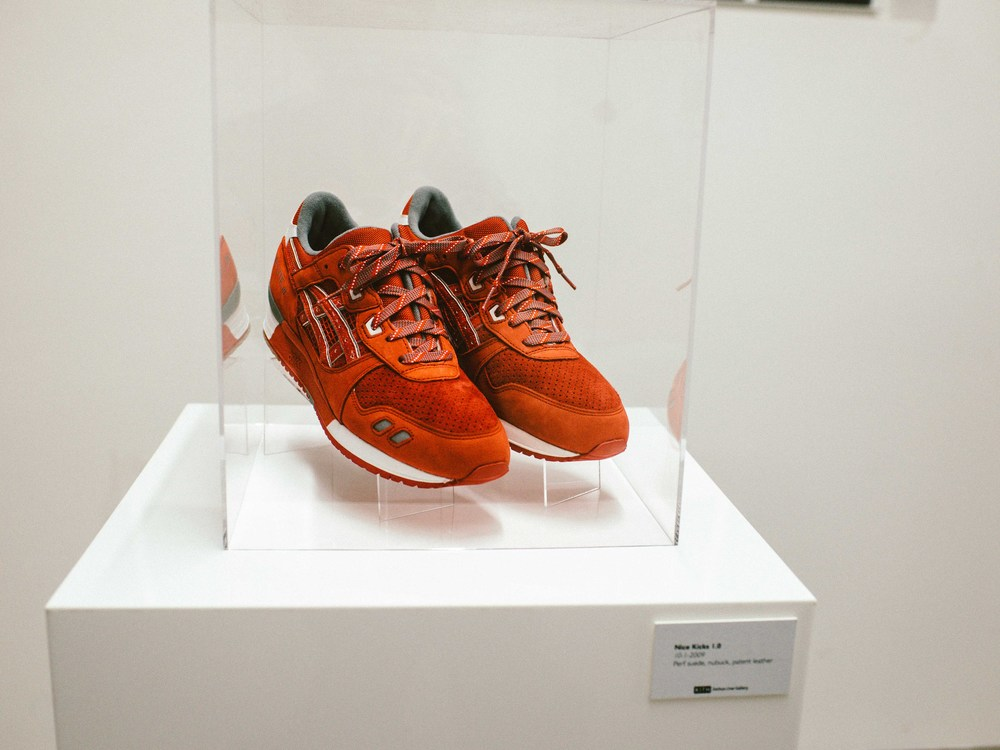 Nice Kicks 1.0 , by Ronnie Fieg (10-01-2009). Per suede, nubuck, patent leather. / Photo: © Diane Abapo for SUSPEND Magazine.