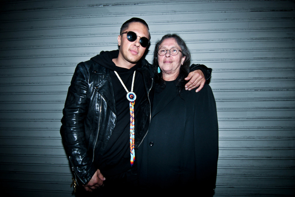 """On Ishton's Porch"" Group Art Exhibition (Jan 16). Pictured: Spanto of Bornxraised with his mother. / Photo: © Christy J. Kim for SUSPEND Magazine."