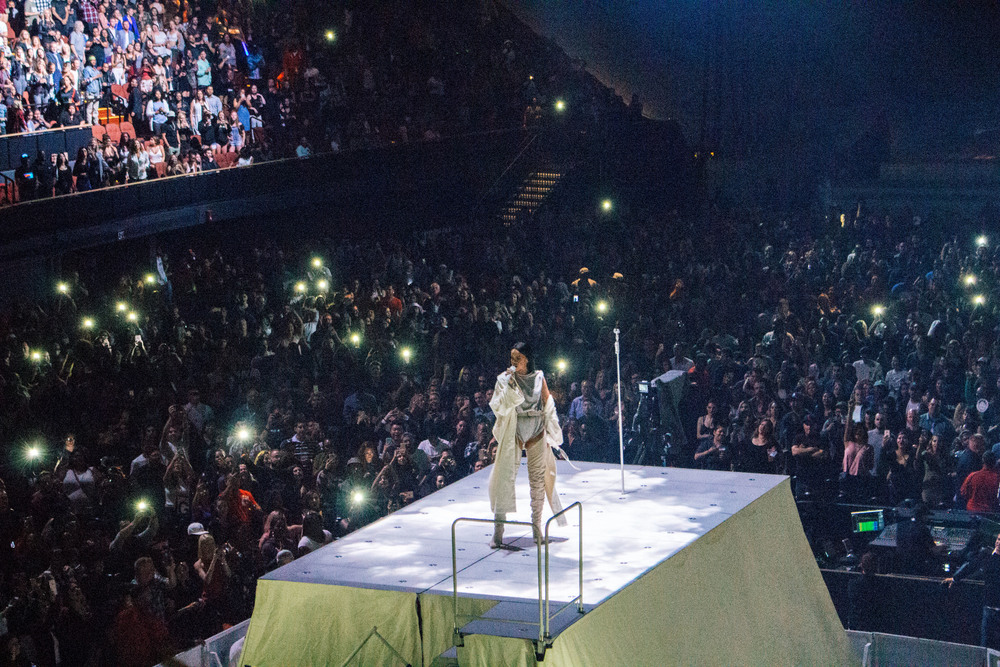 Rihanna at The Forum (May 3). / Photo: © Diane Abapo for SUSPEND Magazine.