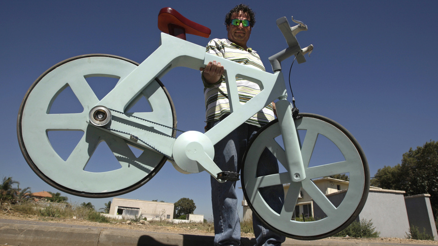For About $20, Cardboard Bicycle Could 'Change The World,' Inventor Says   Mark Memmott,  npr.org    Reuters today catch­es up on a story that's been get­ting some trac­tion in recent weeks:  An Israeli inven­tor has come up with a way to make a bicy­cle almost entire­ly out of card­board — and so inex­pen­sive­ly that he thinks retail­ers would…     Amazing… Watch the video!