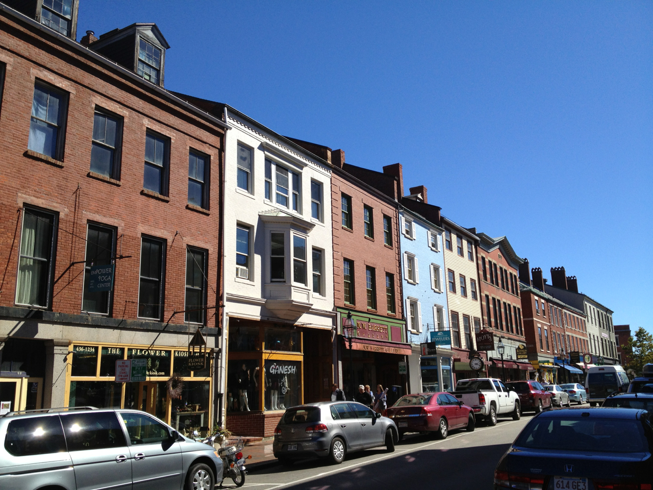 "Portsmouth, NH: a great example of a balanced, varied, streetscape- each building is unique, but ""cooperative"".    (it is also an example of downtown revitalization through historic preservation, walkable streets and mixed use development, but who is counting?)"