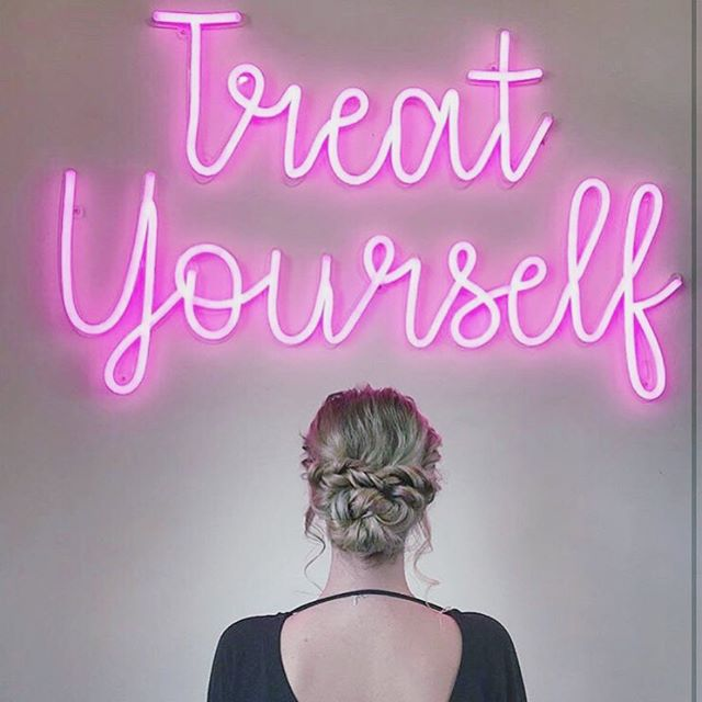 Treat Yourself in September...come in and check out all the specials we have this month . . . . . #upstyle #updo #hair #goodhair #hairinspo #bdbstudio #danville #walnutcreek #eastbay #bayarea #curls #smooth #ponytail #inspo #hairofig #stylistssupportingstylists #licensedtocreate #modernsalon #photooftheday #inspiration #lifestyle #model #wedding #braids #braidstyles #prettyhair #perfectcurls #hairgoals #hairoftheday #hairlove