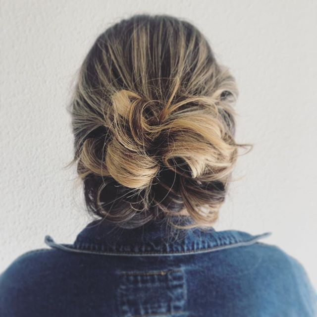 another amazing updo...do you prefer your hair up or down for events?! . . . . . #upstyle #updo #hair #goodhair #hairinspo #bdbstudio #danville #walnutcreek #eastbay #bayarea #curls #smooth #ponytail #inspo #hairofig #stylistssupportingstylists #licensedtocreate #modernsalon #photooftheday #inspiration #lifestyle #model #wedding #braids #braidstyles #prettyhair #perfectcurls #hairgoals #hairoftheday #hairlove