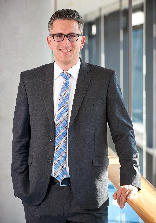 Prof. Dr. Sven Laumer;  Bildhinweis:FAU, Fachbereich Wirtschaftswissenschaften