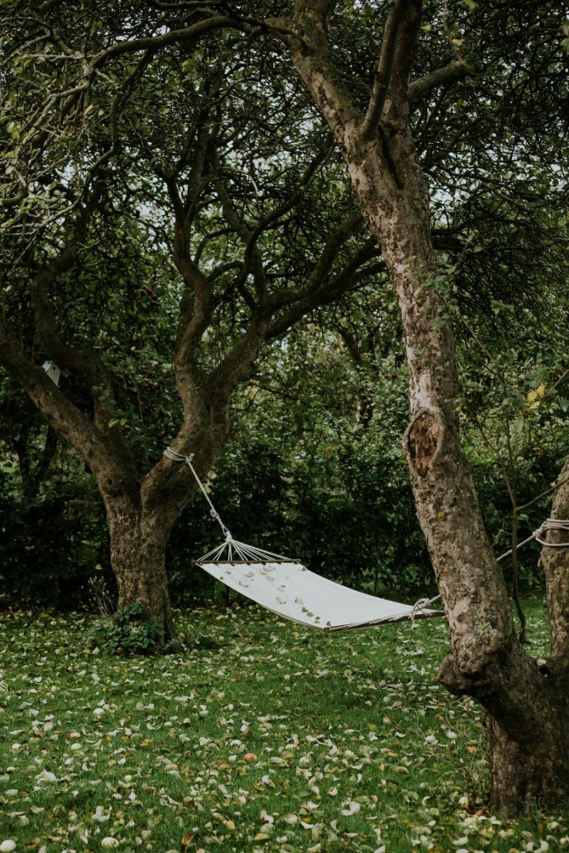 hammock-in-autumn-garden