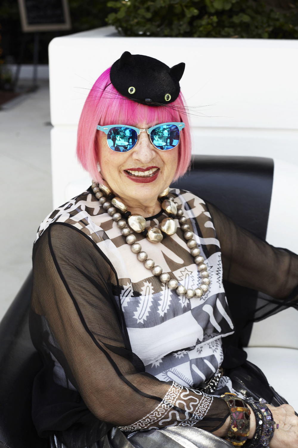 Zandra Rhodes in our Mini Black Cat at the Shangri-La Hotel in Santa Monica for Brit Week.
