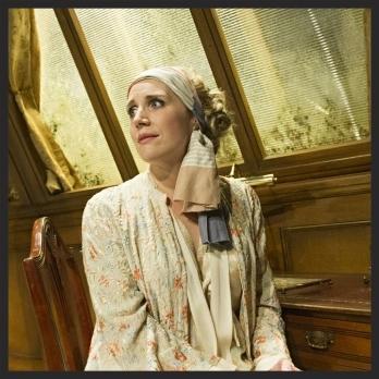 Louisa Tee La Traviata