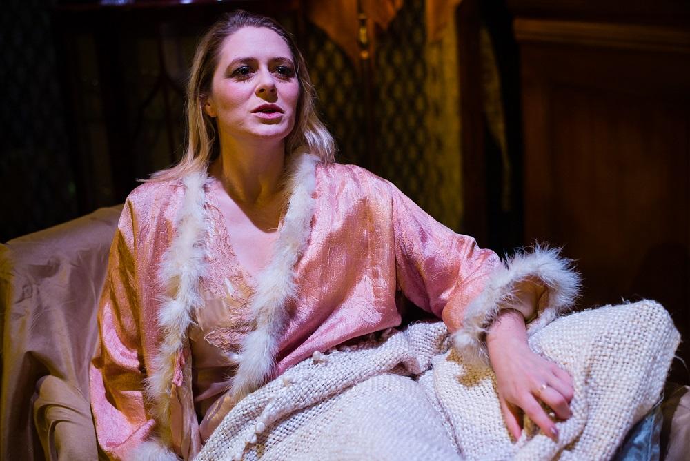Elinor Jane Moran (OperaUpClose's La Traviata, Soho Theatre 2014)