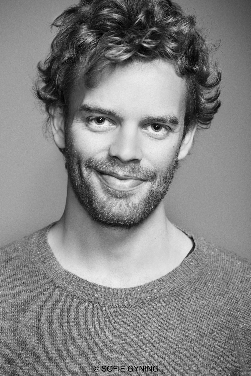Peter Kirk (Tamino)  studied at the University of Wales, the Royal College of Music International Opera School (graduating with the Eric Shilling Prize for Opera), and on l'Opéra national du Rhin's Young Artist's Programme. Kirk made his Royal Opera (Covent Garden) debut in 2015 to critical acclaim as Chulak  The Firework-Maker's Daughter , other engagements that season included  Judas   Maccabeus  with the Silesian Philharmonic Orchestra in Katowice,  Dichterliebe  at the Wiltshire Music Centre, Antonio  Das Liebesverbot  at l'Opera National du Rhin and Lysander  A Midsummer Night's Dream  at the Hyogo Arts Centre, Japan. Other roles include Lucano  L'incoronazione di Poppea  (ETO), Charlie  Mahagonny Songspiel  (London Philharmonic Orchestra), and Congressional Page  Two   Boys  (ENO). In the 2016/2017 season Peter sings the role of Lysander  A Midsummer Night's Dream  (Jubilee Hall, Aldeburgh), returns to l'Opéra national du Rhin to play Pasek in  The Cunning Little Vixen  and the 3rd Jew in  Salomé , and will return to the role of Paolino in  Il Matrimonio Segreto  for a UK tour. In 2018, Peter makes debuts with conductor Yutaka Sado and the Vienna Tonkünstler Orchestra, and the Münchner Symphoniker under David Reiland.