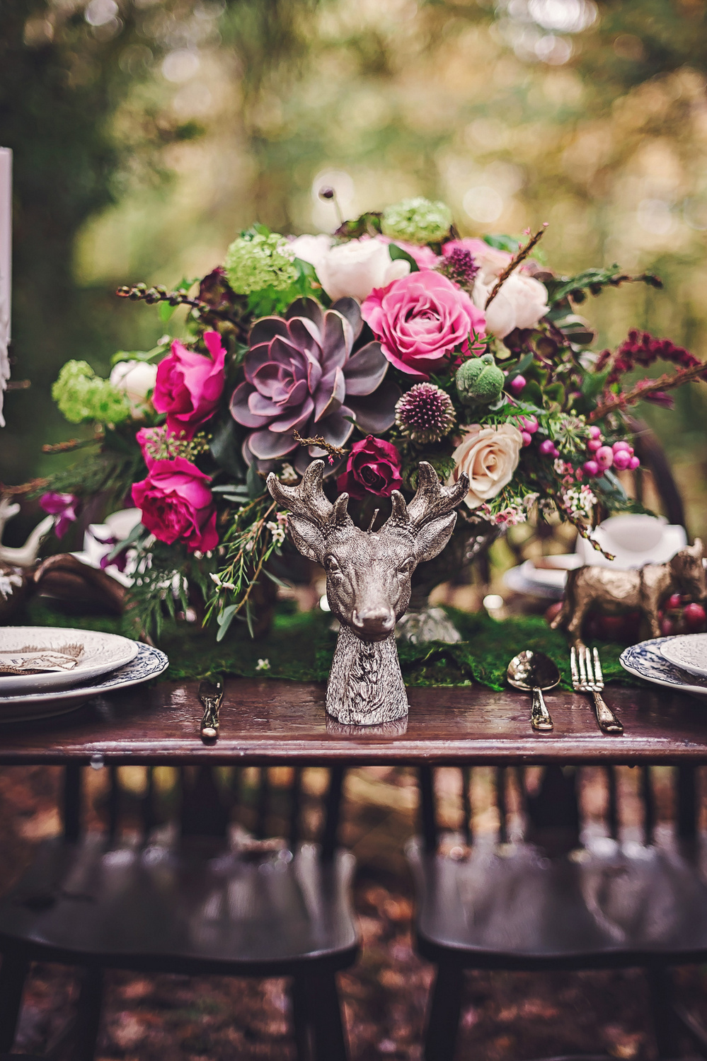 Autumnal table flowers in lilac, claret & green
