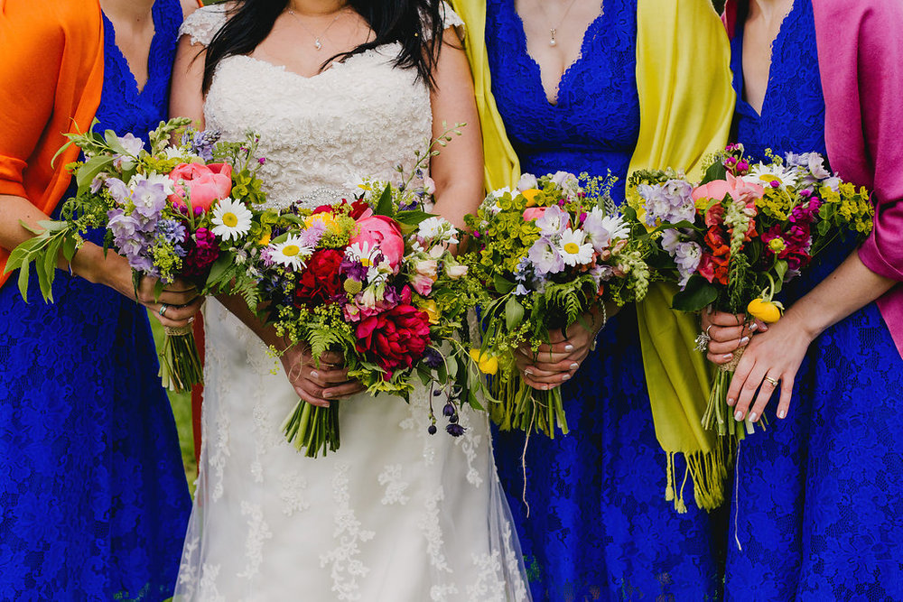 Bright spring wedding at Oak Tree Farm, Quainton, Buckinghamshire
