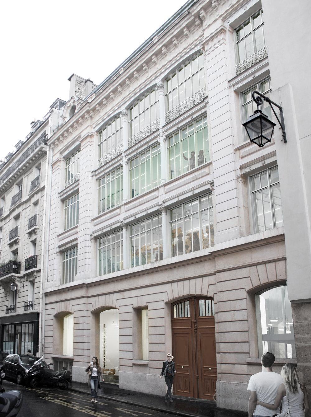 Le futur bâtiment de la Fondation (ouverture mars 2018) 9 rue du Plâtre F-75004 Paris L'adresse postale actuelle BHV - 13-15 rue de la Verrerie F-75004 Paris Métro : Hôtel de Ville (ligne 1)ou Rambuteau (ligne 11)