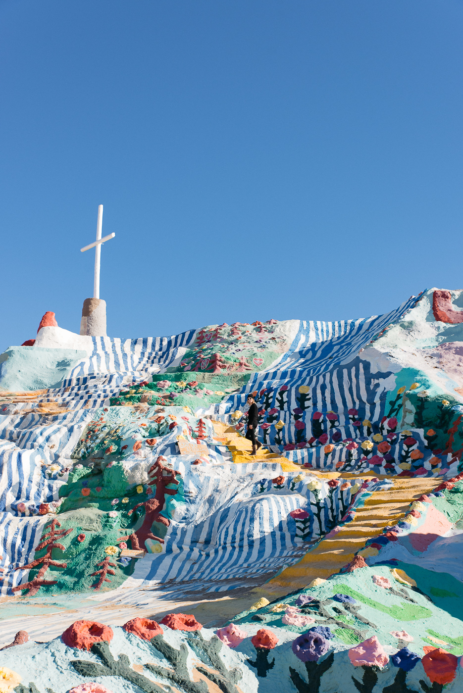 salvation mountain california arizona slab city salton sea vsco nikon america yall pawlowski americayall cross