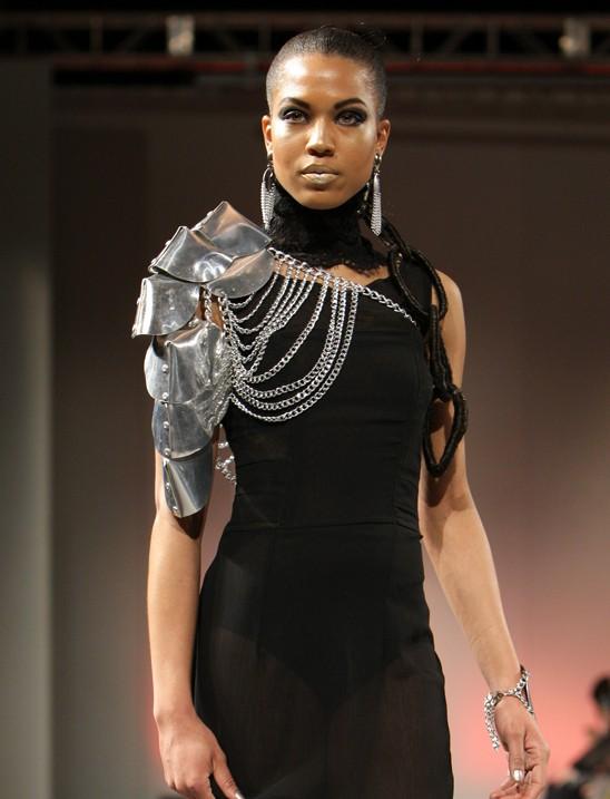 metal-shoulder-piece-laure-luxe.jpg