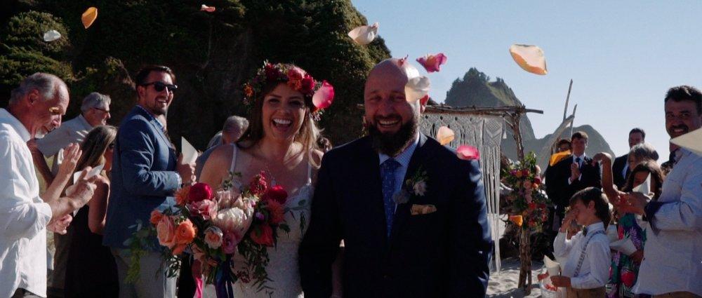 Oregon coast wedding videographer 18.jpg