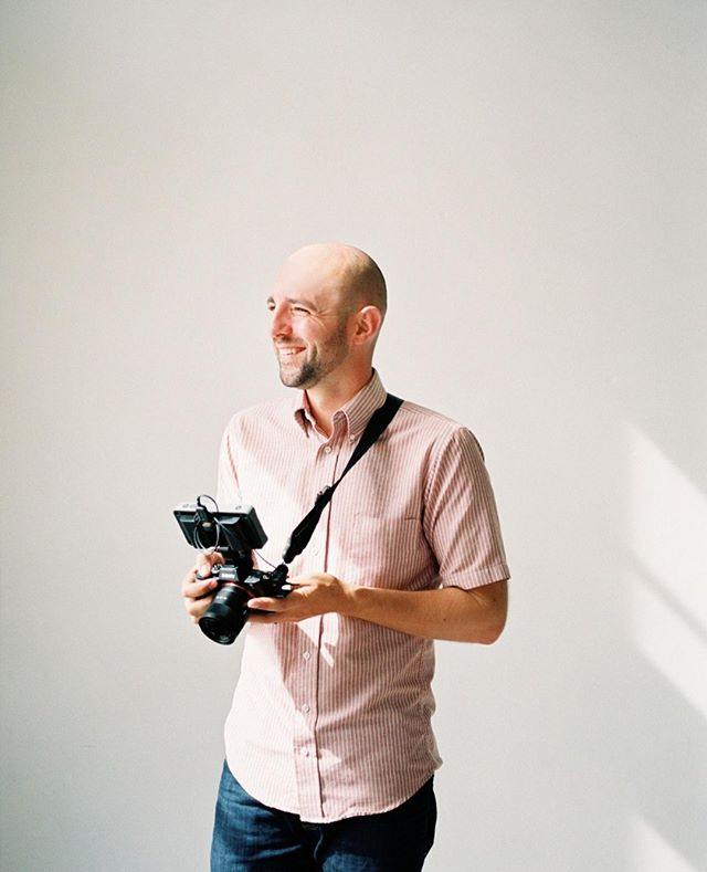 Hey everyone! It's me... the man behind the camera. I wanted to take a second to introduce myself. My names Craig Flood and I've been filming weddings since 2011. I live here in Portland Oregon with my Wife @neflood and our three little kiddos... Levi, Grace, and Lincoln. We live in a tiny little  695 sq ft house close to some of our dearest friends. Things I love... minimalism, connections, sunshine, backyard bbq's, outdoor adventures, my kids and tinkering on things. PC: @amandakphotoart . . . Would love to get to know you guys a bit... share 1 unique thing about you in the comments below.  . . . #destinationwedding #italybride #italywedding #veronawedding #veronaweddingphotographer #veronabride #veronaelopementphotographer #italyelopementphotographer #southtyrolweddingphotographer #greecewedding #greeceeleopment #mykonosweddingphotographer #santoriniwedding #santorinielopement #santorinibride #santoriniphotographer #lakecomowedding #lakecomophotographer #lakecomoelopement #amalfiwedding #amalfiweddingphotographer #italyweddingphotographer #bolzanobride #bolzanowedding #bolzanoweddingvideographer #italyelopement #milanwedding #switzerlandweddingvideographer