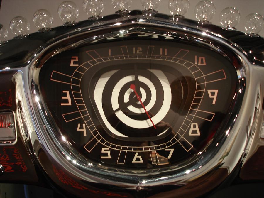 Time Machine clockface detail 2