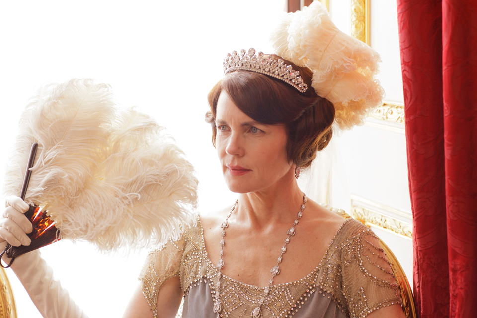 Lady-Cora-Downton-Abbey-Crawley-tiara-by-Prince.jpg