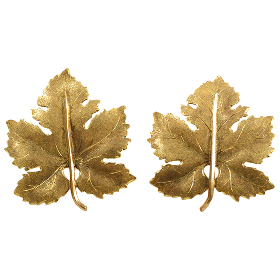 Buccellati Gold Maple Leaf Clip-On Earrings From Luxury Bazaar has been sold.