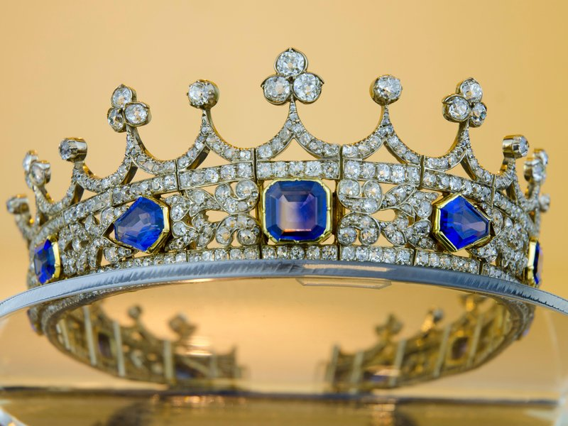 Queen Victoria's coronet (Courtesy of the U.K. Department for Culture, Media and Sport.)