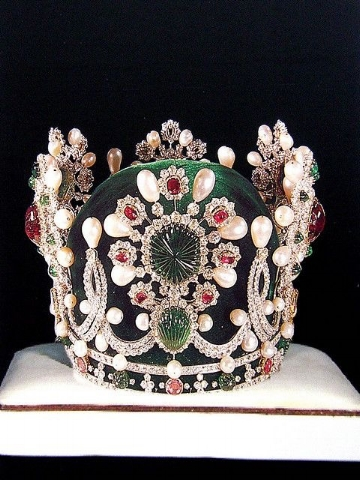 The Empress Crown: part of the coronation regalia used by the only Empress of Iran, Farah Pahlavi.