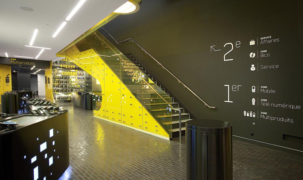Intégration global des escaliers dans la boutique.